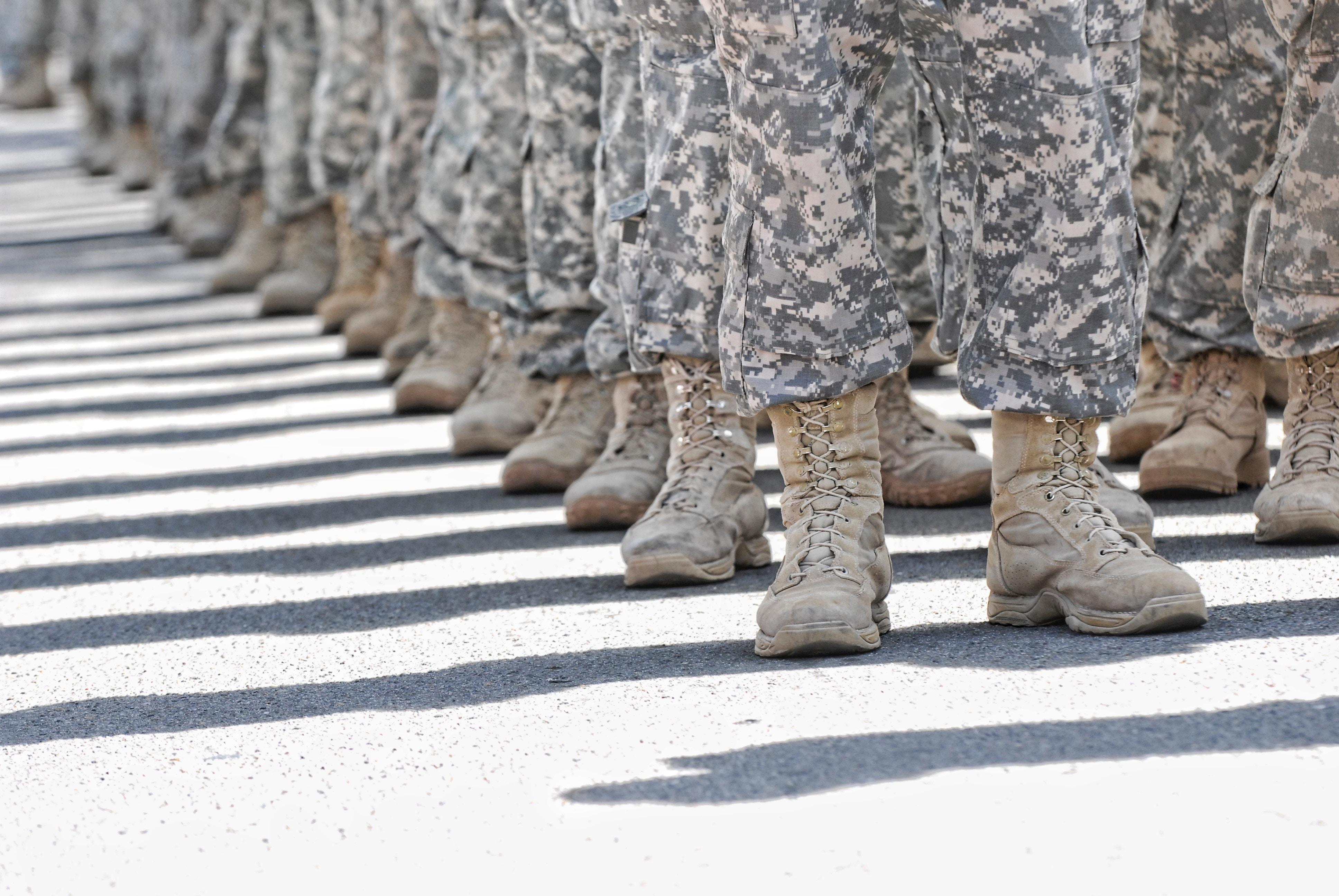 soldados indo pra guerra