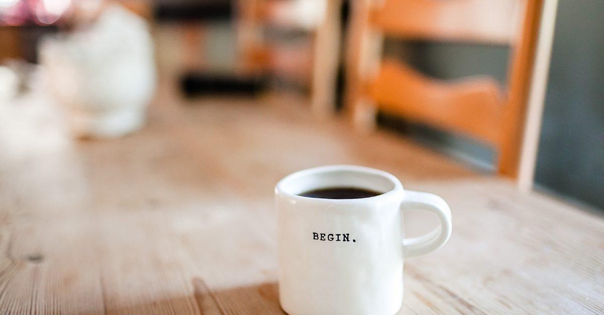 Um amigo, um livro e um café